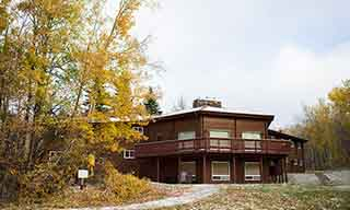 Strathcona Wilderness Centre Lodge